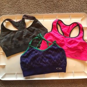 Set of 3 assorted sports bras